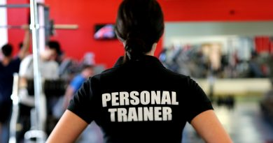 hire a personal trainer to achieve fitness goals