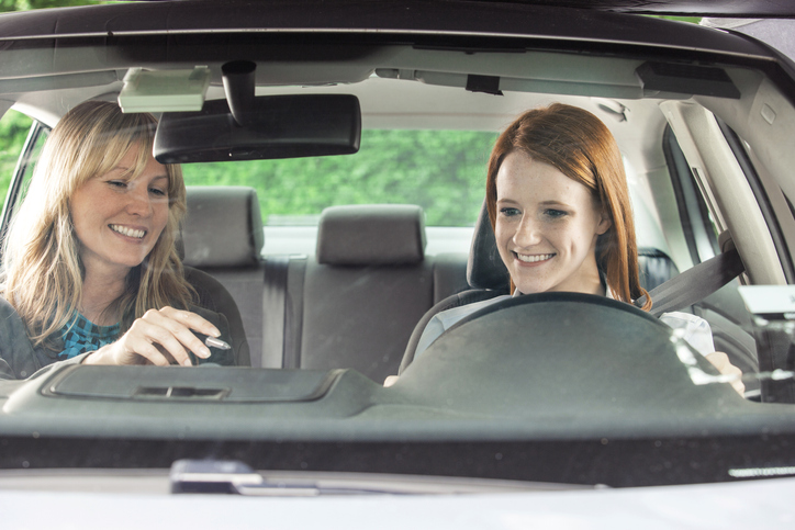 When choosing the right type of driving school for you, it is important to consider your budget.